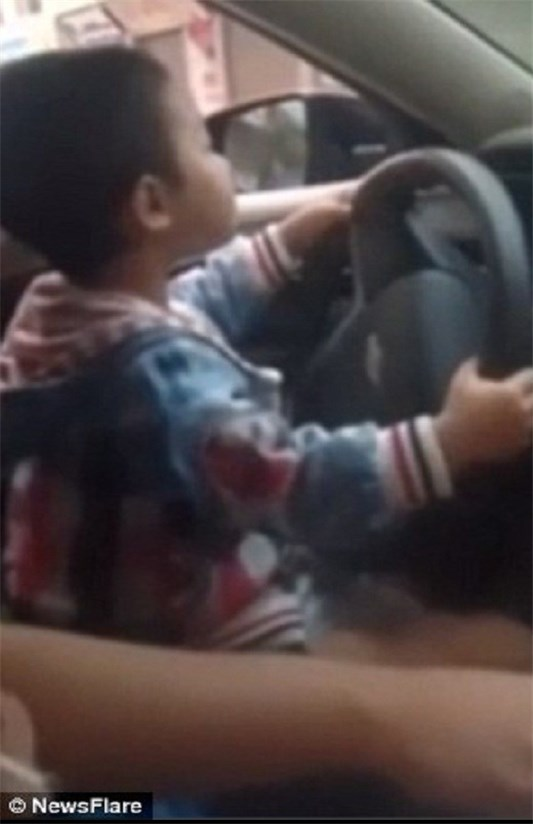 رانندگی کودک