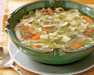 سوپ رشته با مرغ
