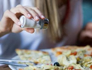 مضرات مصرف زیاد نمک